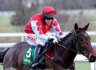 Andrew Lynch on board Voler la Vedette in yesterday's woodiesdiy.com Christmas Hurdle.