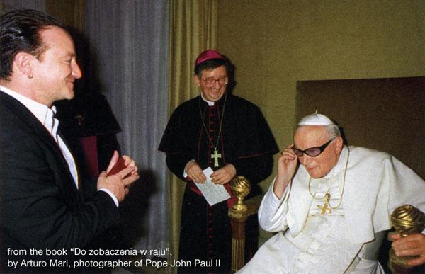 [Image: bono-pope-john-paul-ii.jpg]