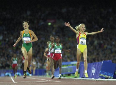 Sonia O'Sullivan is distraught as Olympic champion Gabriela Szabo celebrates her win at Sydney 2000.