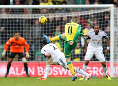 Gary Hooper lets rip from 30 yards out.