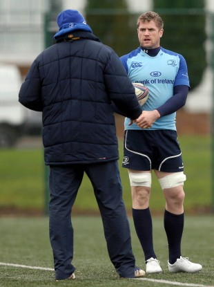 Toulon target Jamie Heaslip speaking with future Clermont coach Jono Gibbes this week.