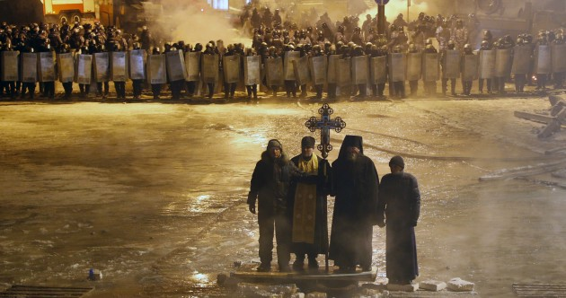 Another fatality in Kiev protests as minister warns peace efforts 'futile'